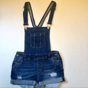 FOREVER 21 overall distressed short shorts